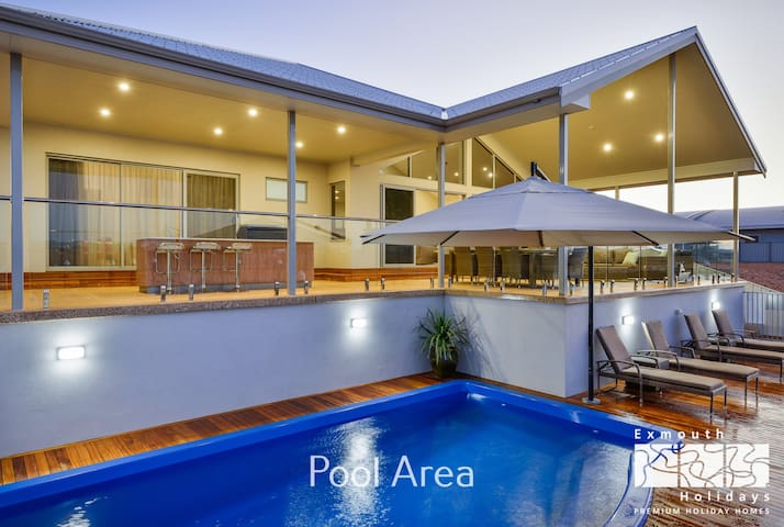 27 Kestrel Place - With Pool and Jetty
