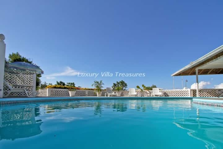 Heavenly Views, Near Private Beach & Golf Course