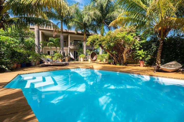 Paradise apt. ★ Garden, pool ★ Minutes to Le Morne