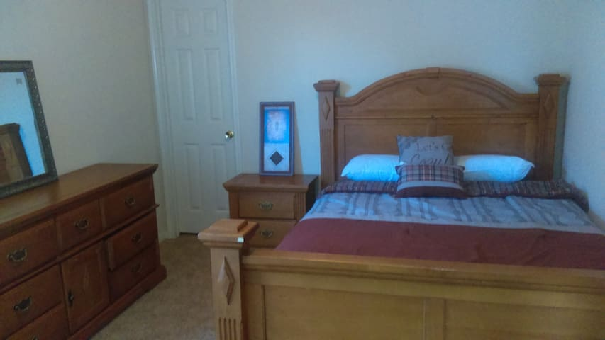 comfortable room at Spring/ Woodlands - Spring - Bed & Breakfast