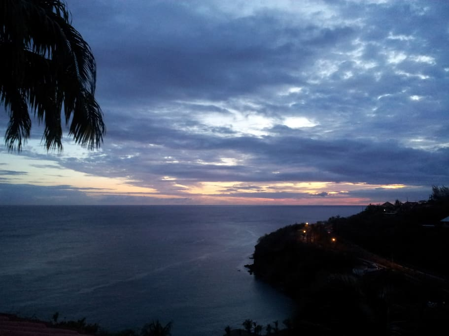 Vue sur mer coucher de soleil