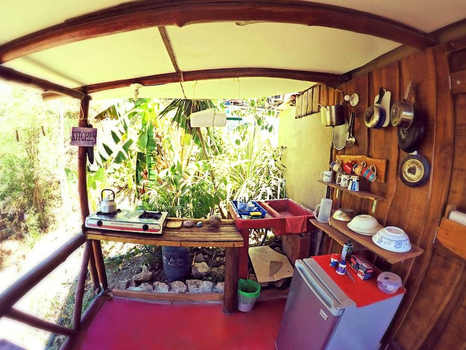 House 5 outdoor kitchen