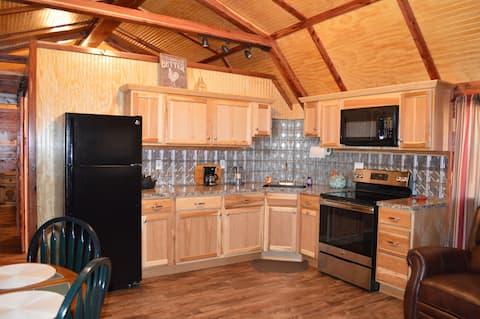 Rocky Top Winery Cabin #4