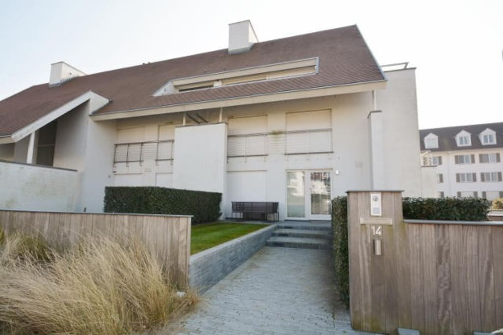 Dit villa appartement is gelegen in de duinen van het Zoute