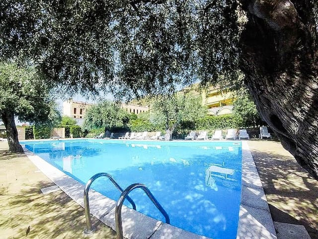Residence Tolosa Beach Apartment - Swimming Pool