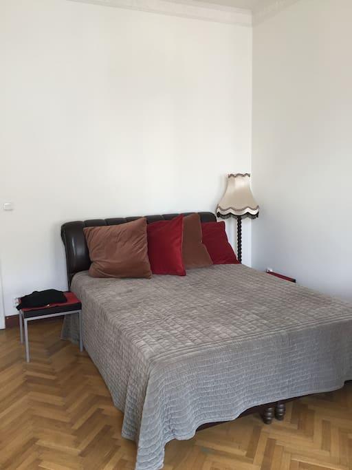 Спальня ном. 1, bedroom. 1