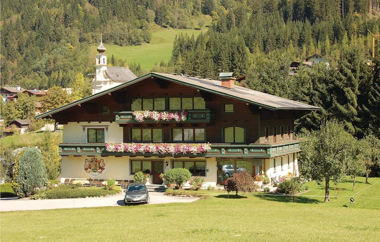 Holiday apartment with 2 bedrooms on 60 m² in Flachau