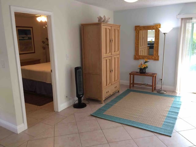 Charming 1 bd 1bath near beach