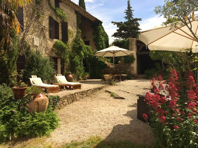 Secluded in nature, villa built 1833. Sleeps 8+
