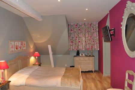Chambre d'hôtes, Manoir de Bellacordelle, Arras - Rivière