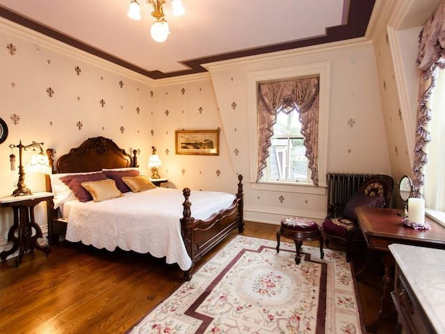 The Fleur De Lis Room @ Silas W Robbins House