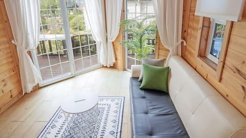 Family Suite-침대방2개, 대형풀장, 개별키즈수영장,잔디밭 정원이 있는 독채
