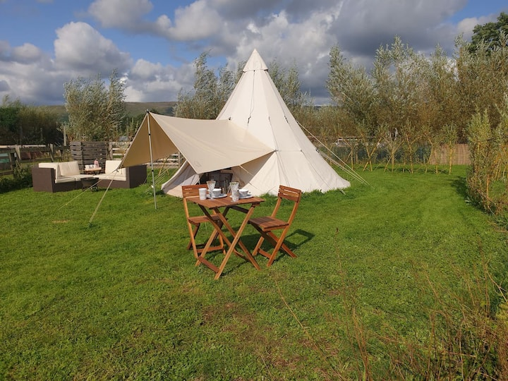 """""""Nordic Tipi with Stunning Countryside Views"""""""