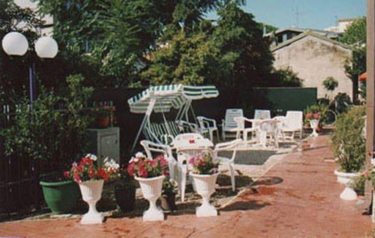 B&B Villa Gina - Viserba  - Camera quadrupla