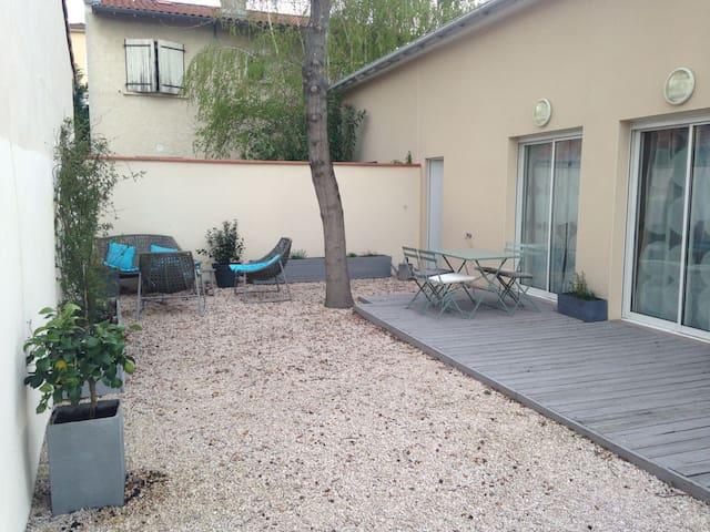 Maison moderne et lumineuse, 2 chambres, jardin - ตูลูส - บ้าน