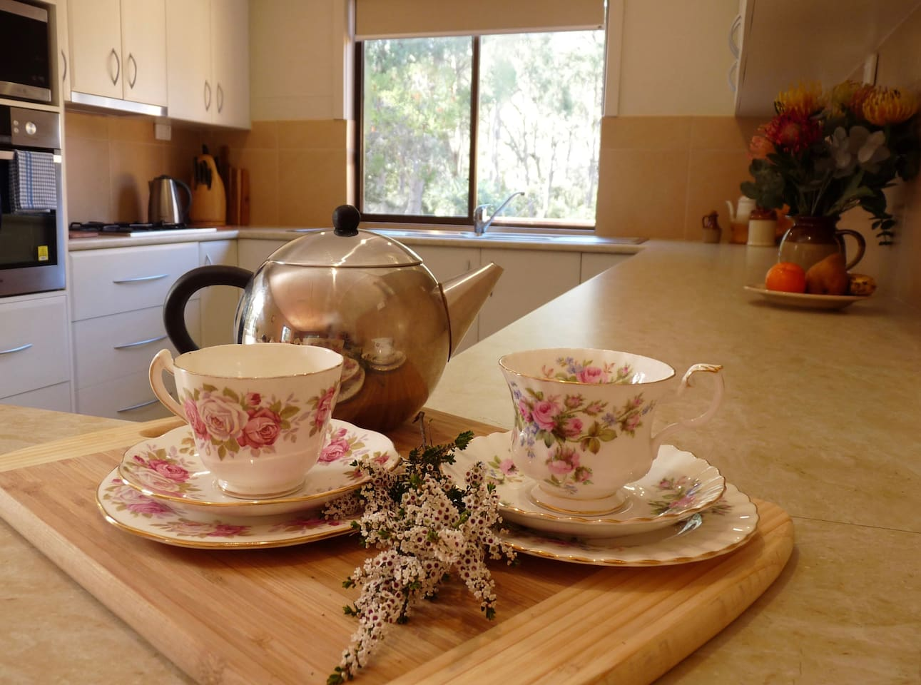 Banksia Hideaway has a well equipped, modern kitchen. Quite often small groups book all of the four cottages on the property and meet and dine together in this cottage which has sufficient crockery and cutlery etc. for 20 people.