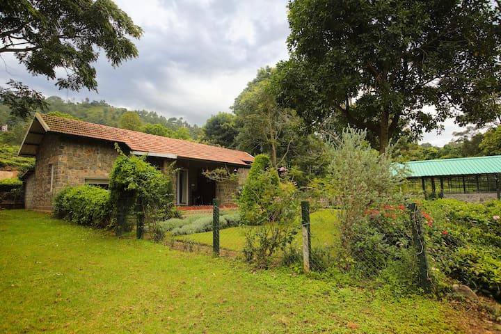 Taurus Homestay Stone Cottage