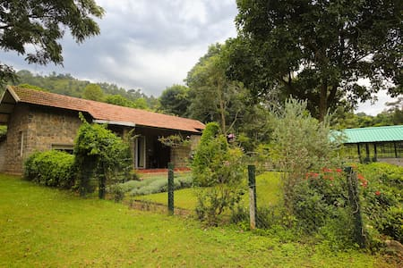 Taurus Homestay Stone Cottage