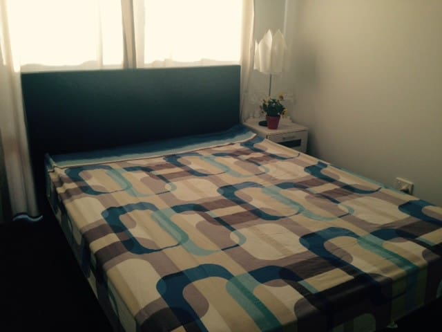 Room for Rent in a Shared House - Wellard - Дом