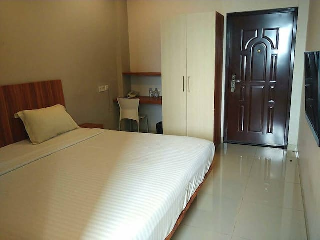 Superior room with breakfast and airport shuttle