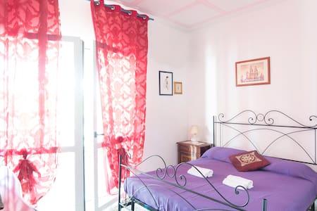 IL RIFUGIO DEI VIAGGIATORI! nice double-room,Anzio - Anzio - Talo