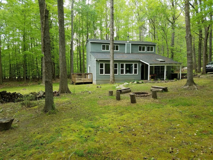 Enchanting Raleigh Retreat On Two Wooded Acres!