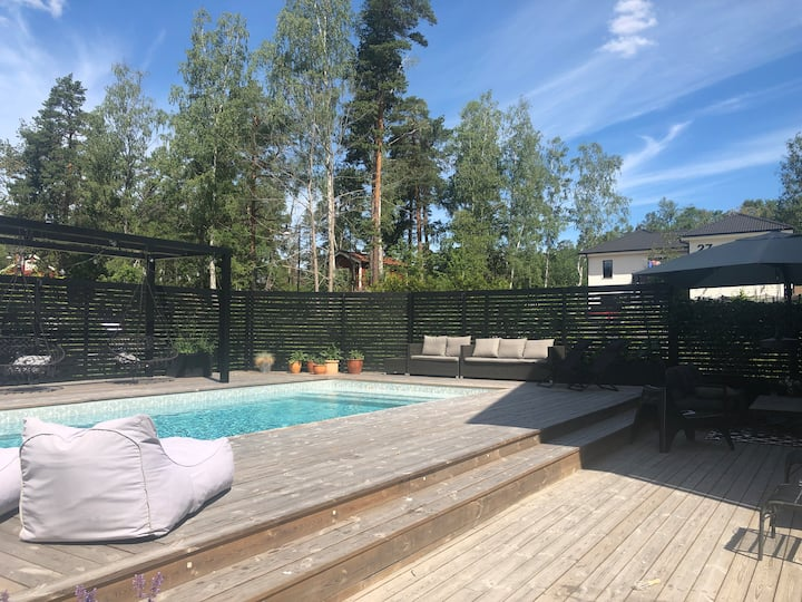 Villa with pool close to Stockholm
