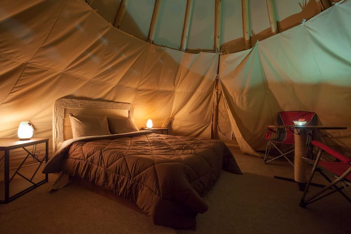 Glamping Tipi, Great View, Close to the Beach