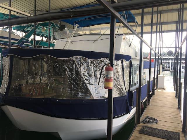 Houseboat Anderson SC - Anderson