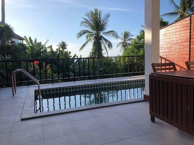 Maehaad Seaview Condo | Private Pool