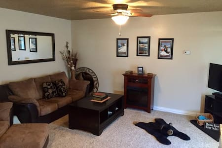 Gated Guest Home in the Heart of the Country - Nampa