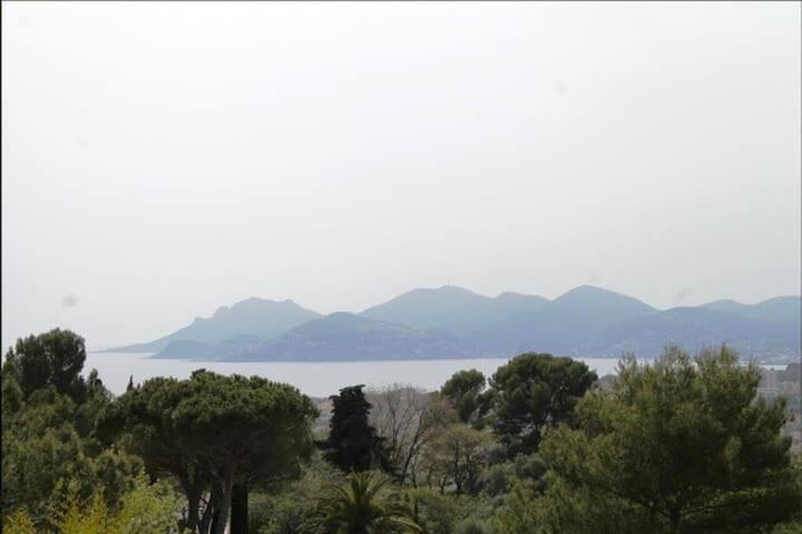 Maison avec vue sur Cannes
