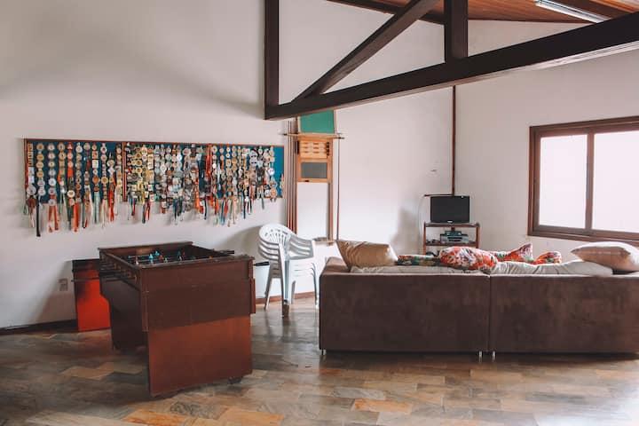 Quarto em casa maravilhosa em Floripa