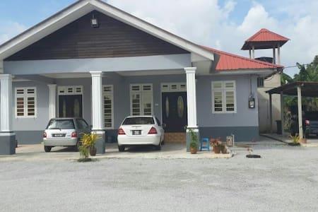 Kuala Terenganu - Kuala Terengganu - บ้าน