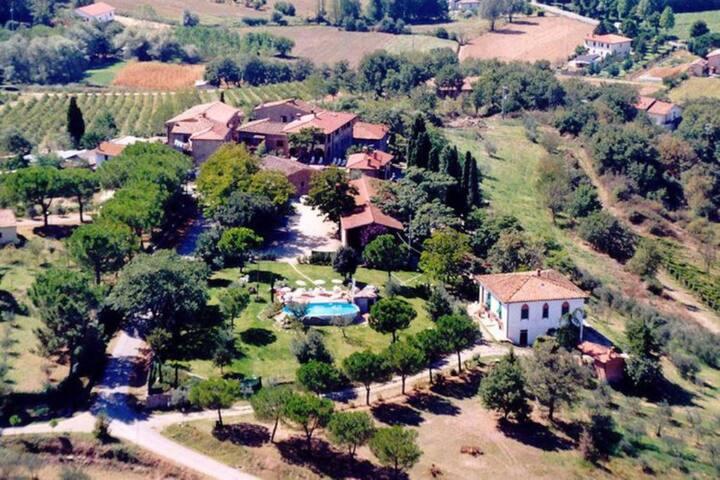 ALLOGGIO IN AGRITURISMO + PISCINA - Gavignano - Byt