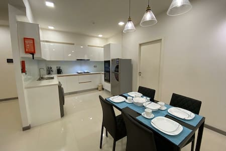 NEW 3 BHK - Near Beach & Airport!