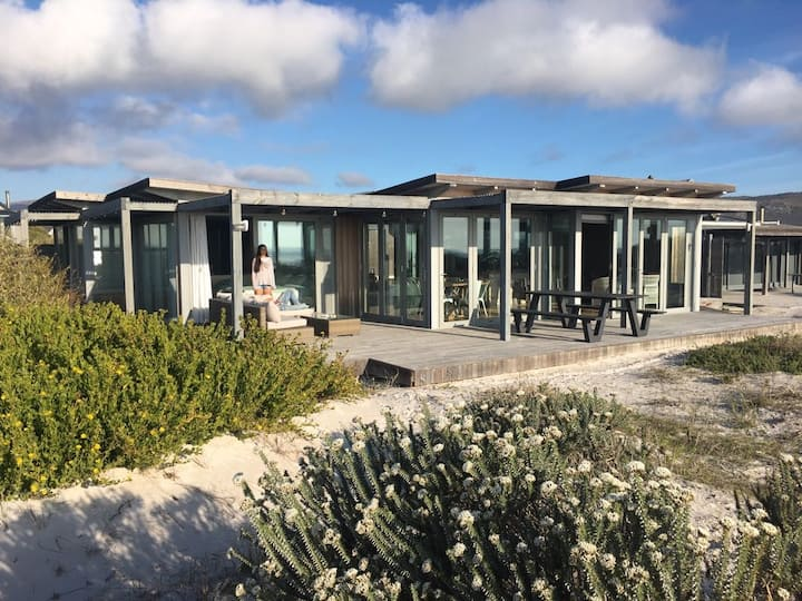 Amazing home on the beach in Klein Slangkop Estate