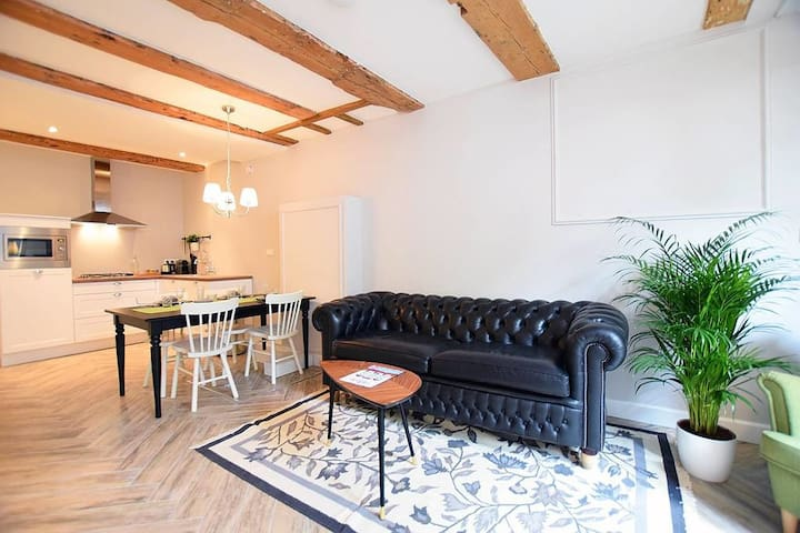 New private canal apartment near Anne Frank House