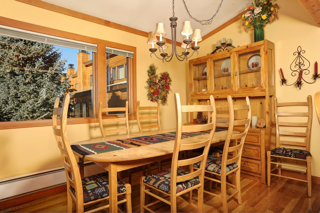 Enjoy meals together at the dining table