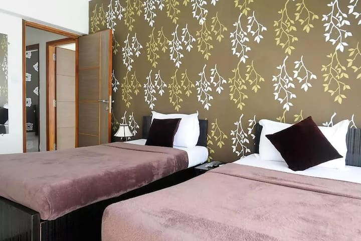 Cozy Bedroom perfectly located in the city - Mumbaj