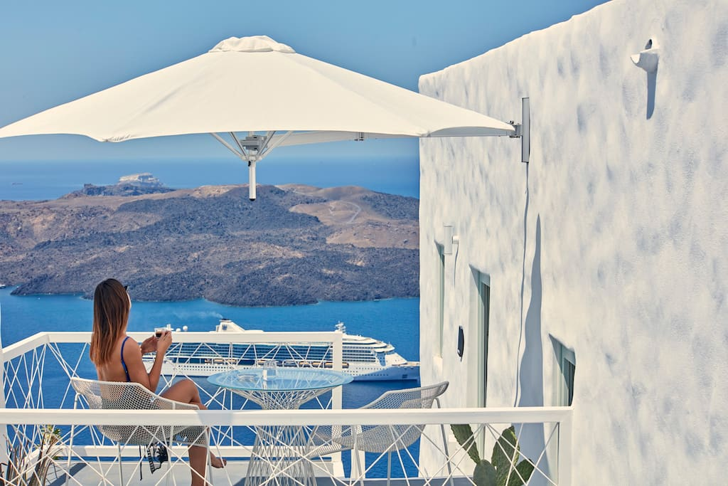 Junior Suite with Open Air Hot Tub and Caldera View