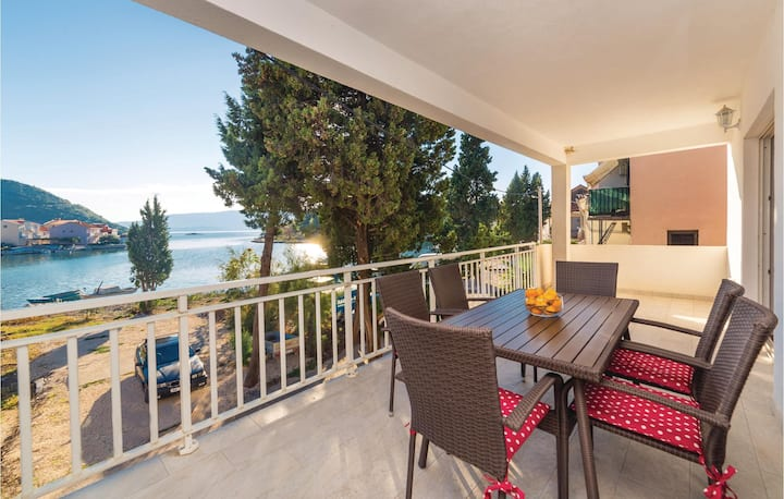 Stunning home in Blace with WiFi and 2 Bedrooms