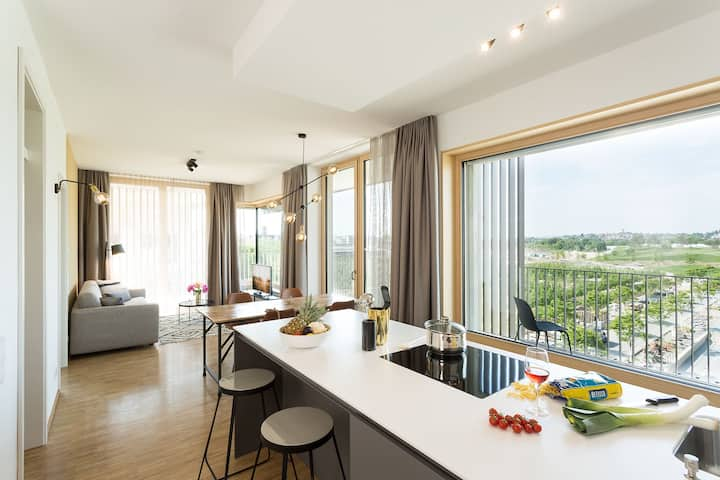 SUNNY: 2-Zimmer Serviced Apartment (CINARI Suites)