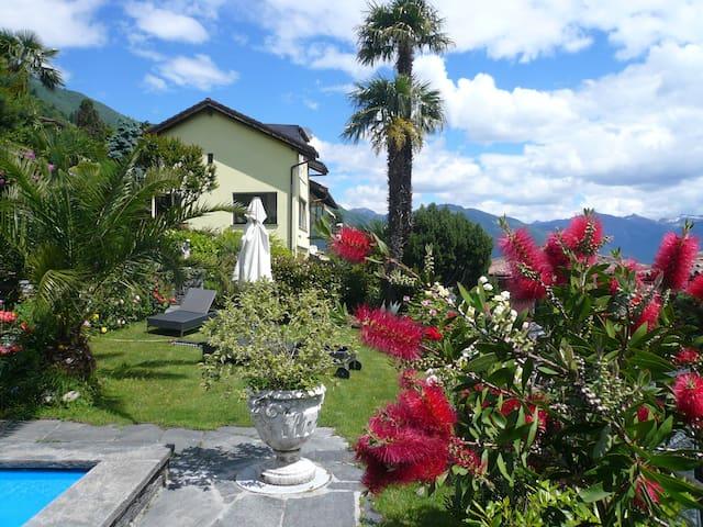 Wohnen mit Blick auf  Lago Maggiore - Brissago - Rumah