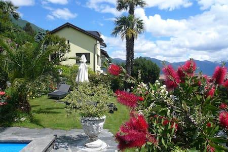 Wohnen mit Blick auf  Lago Maggiore - Brissago
