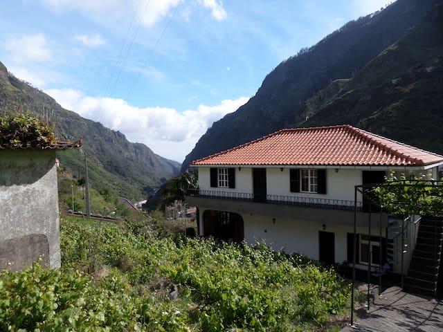 Casa Rústica T2 - Serra De Agua - House