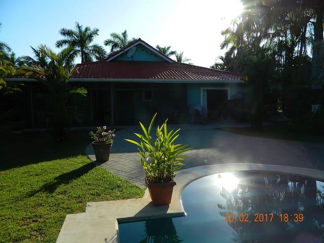 La Casa Delfines - Tambor Beach