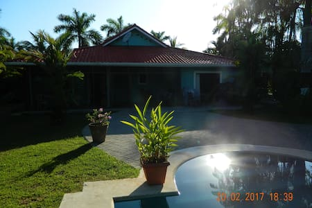 La Casa Delfines - Tambor Beach - Haus