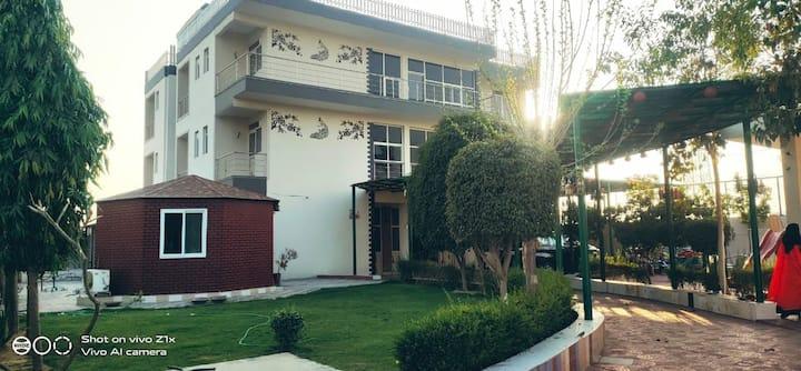 Sahibs Homestay - Your own Farm House