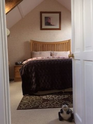 Self Contained Loft Area at Dinas Cross